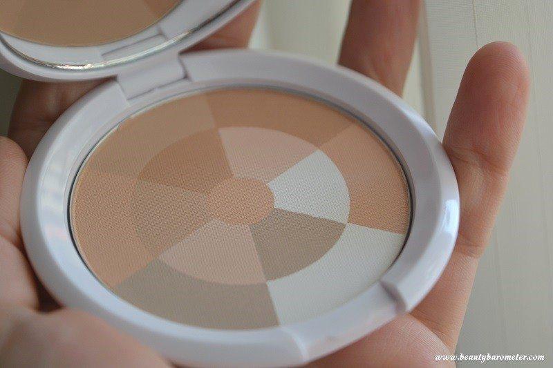 avene-couvrance-pudramozaic-beautybarometer2015