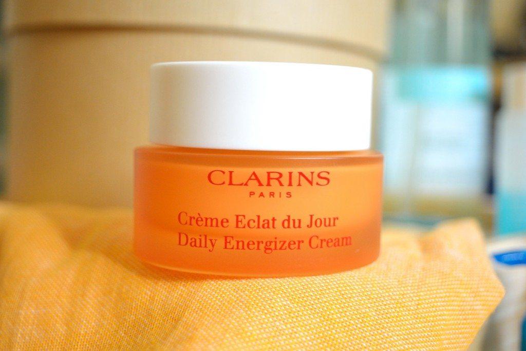 clarins-cremeeclatdujour-beautybarometer2016-dailyenergizercream