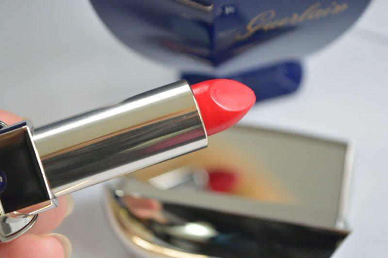 guerlainrougeg-rougesaphir-holidaycollection2016-beautybarometer