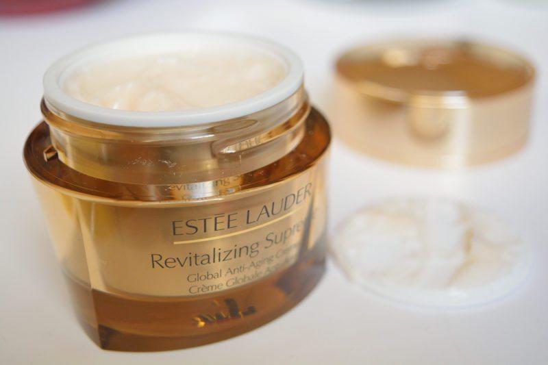 esteelauder-revitalizing-supreme-cream-globalantiaging-beautybarometer-review-decembrie2016-11